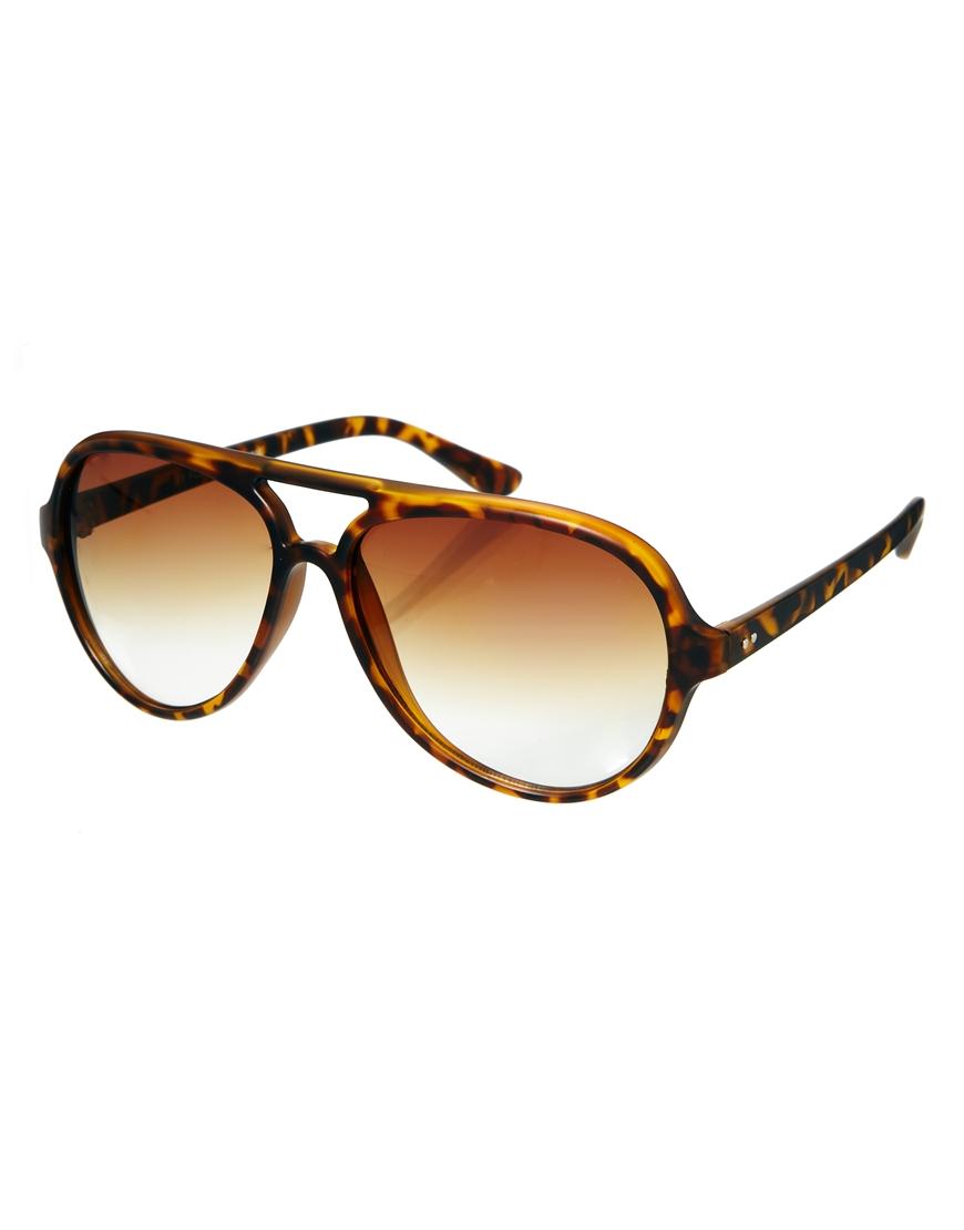 Gafas de sol estilo aviador con diseño de carey mate