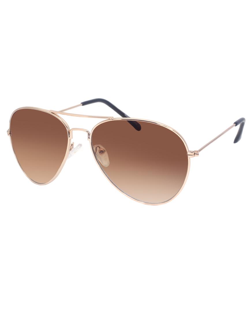 Gafas de sol estilo aviador doradas