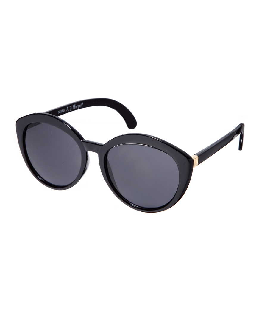 Gafas de sol Cateye Greta de AJ Morgan, mujer con gafas de sol